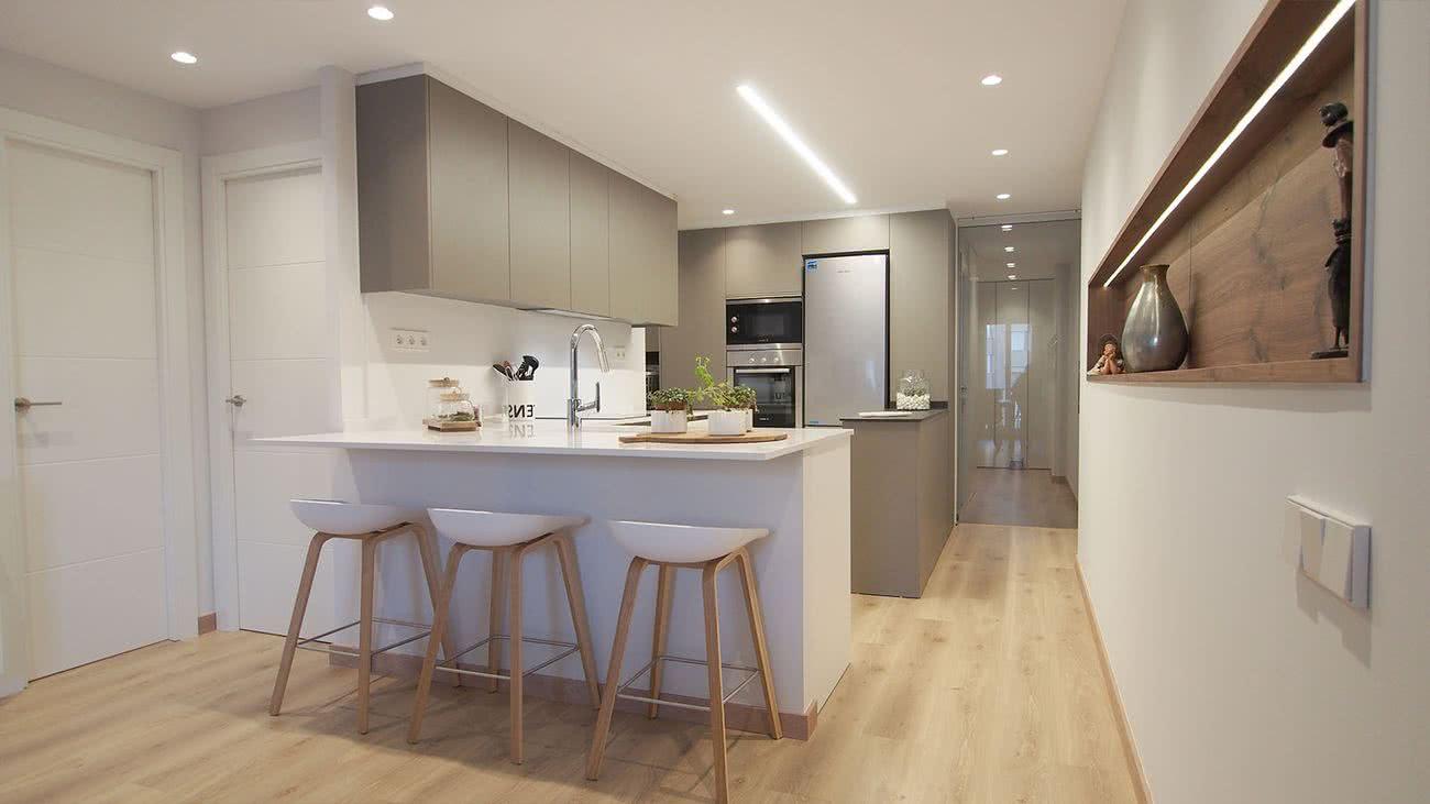 Mettre Un Miroir Dans Une Cuisine petites cuisines modernes 2020 2019 + de 150 photos et idées