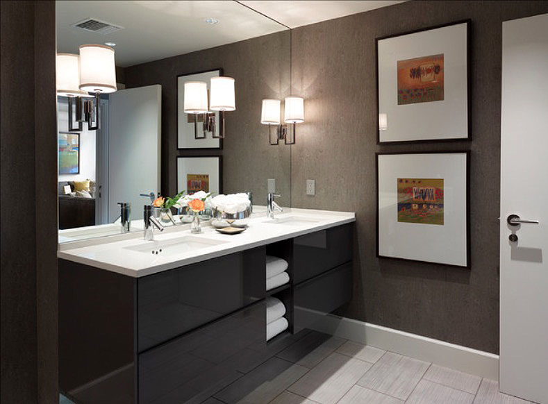 "bathroom-decorating25 ""width ="" 789 ""height ="" 582 ""srcset ="" https://housekeeping.tn/wp-content/uploads/2019/11/1573234129_898_30-idees-de-decoration-de-salle-de-bain-simples-et.jpg 789w, https://freshome.com/ wp-content / uploads / 2015/06 / bathroom-decorating25-300x221.jpg 300w, https://freshome.com/wp-content/uploads/2015/06/bathroom-decorating25-535x395.jpg 535w ""tailles ="" ( largeur max: 789px) 100vw, 789px ""/> </div> </div> <h3><span class="