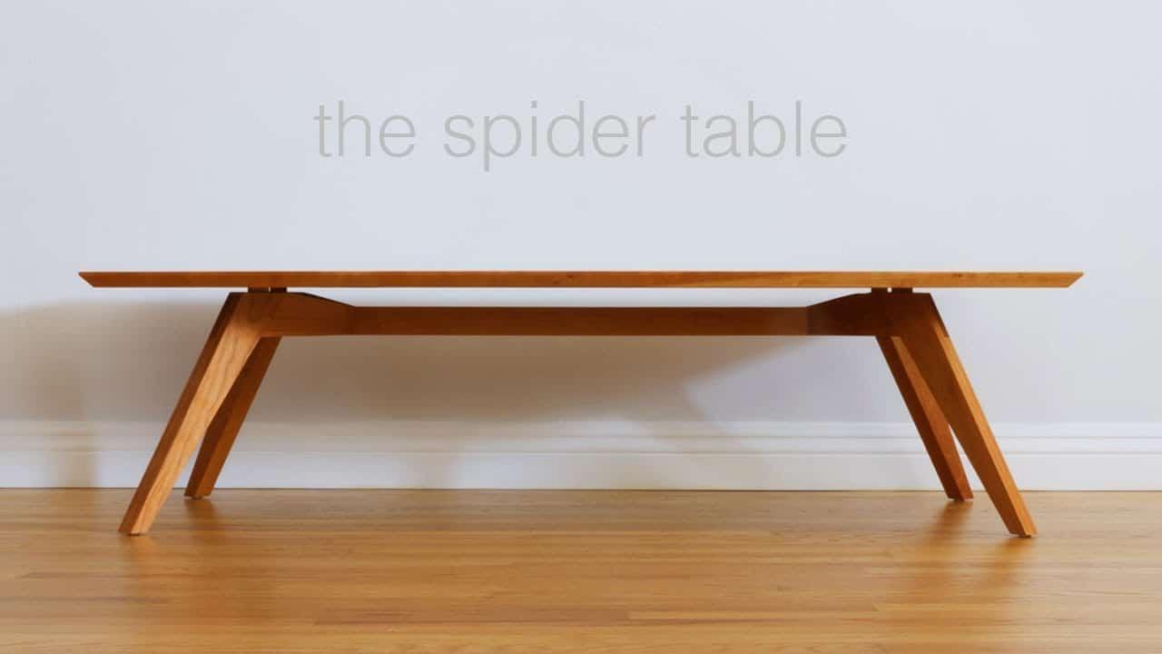 Table d'araignée du milieu du siècle