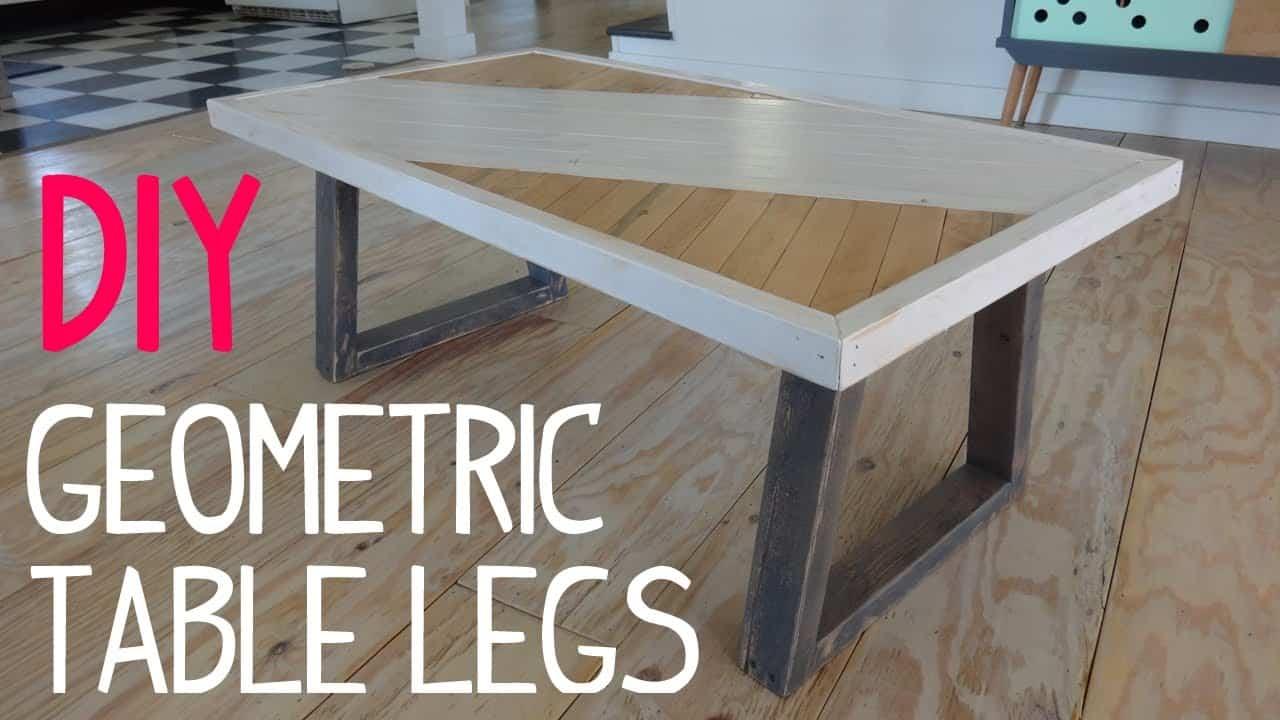Diy table peinte avec des jambes géométriques