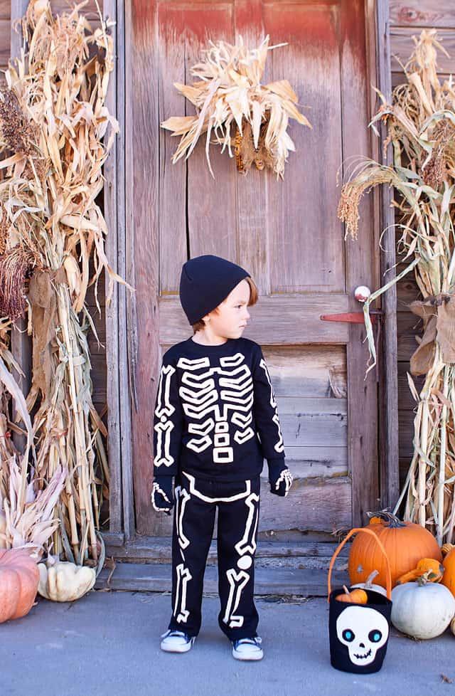 Costume d'halloween lueur dans l'obscurité