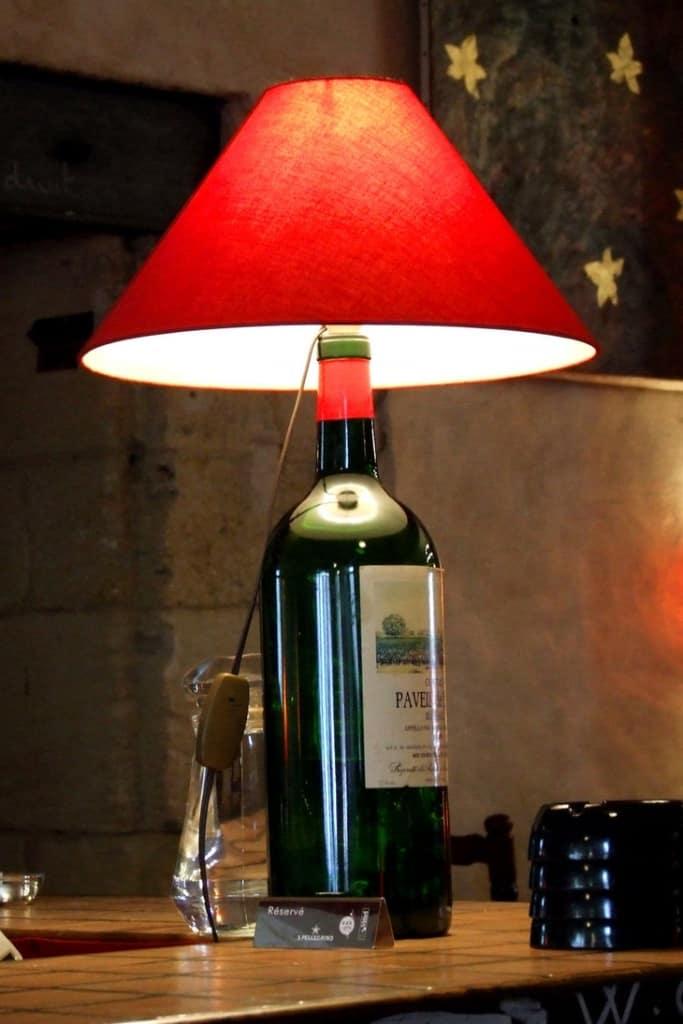 Lampe à vin personnalisée