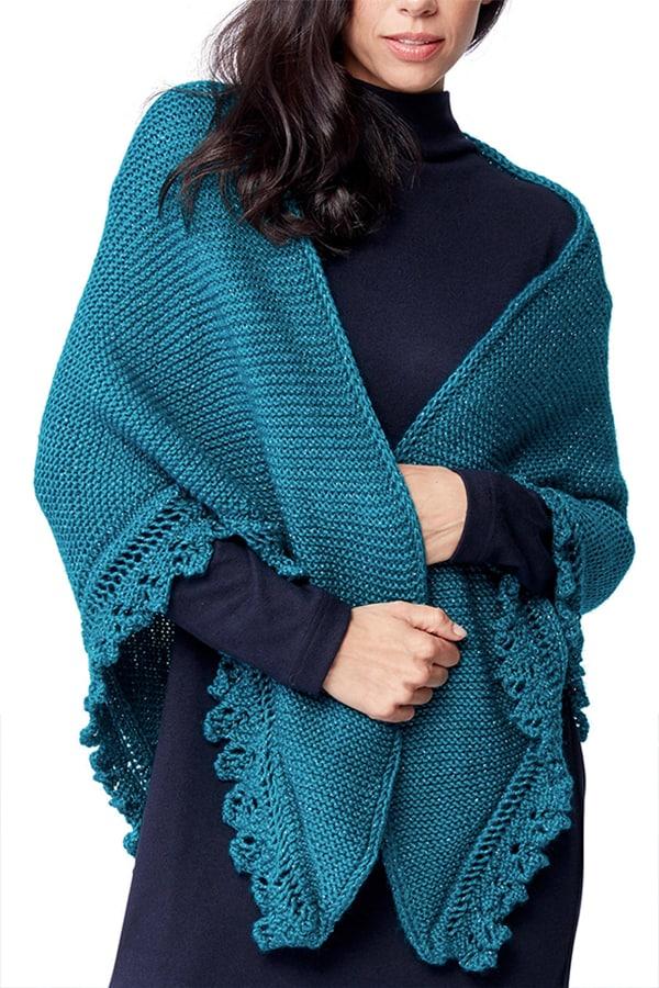 Châle tricoté à la dentelle