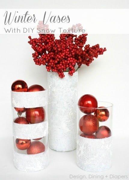 Vases d'hiver avec la texture de la neige