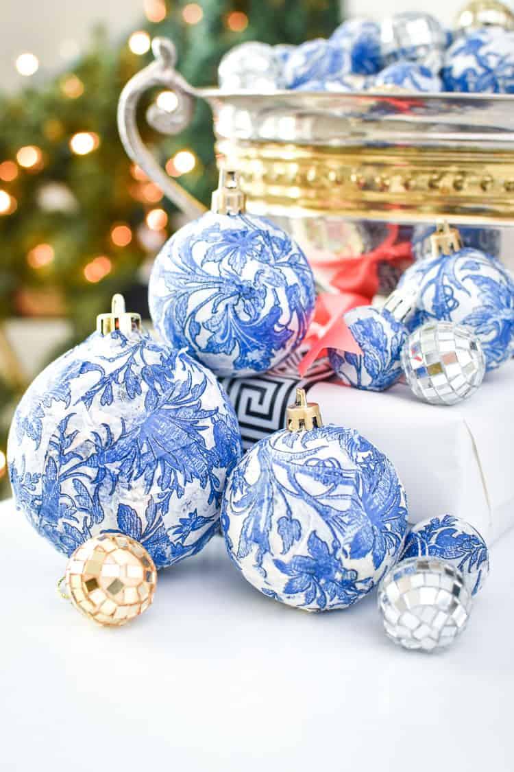 Décorations de Noël en faux chinoiseries