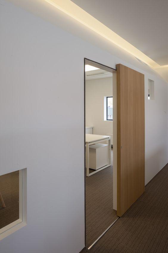 Portes en bois pour les chambres