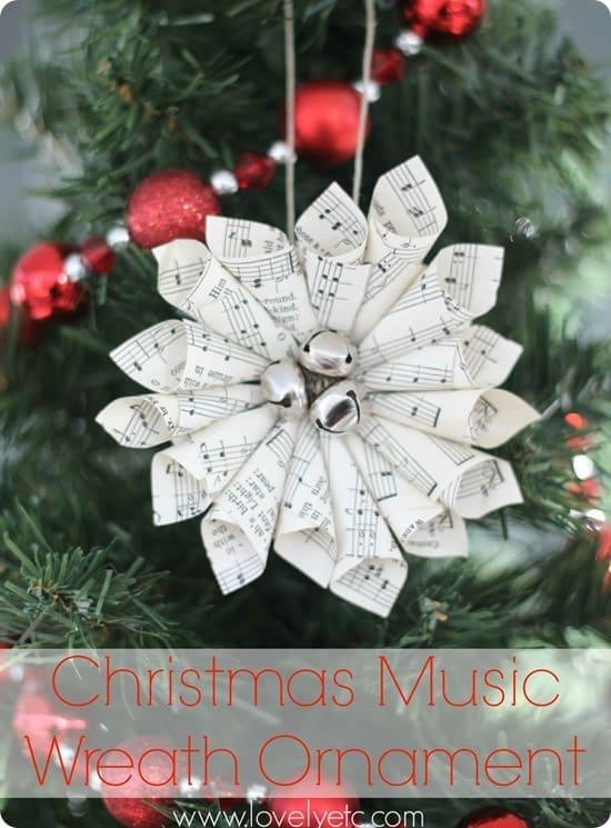 Ornement de guirlande de partitions de Noël