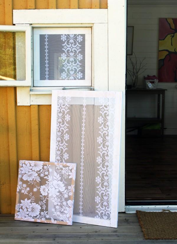 Écrans de fenêtre recouverts de dentelle