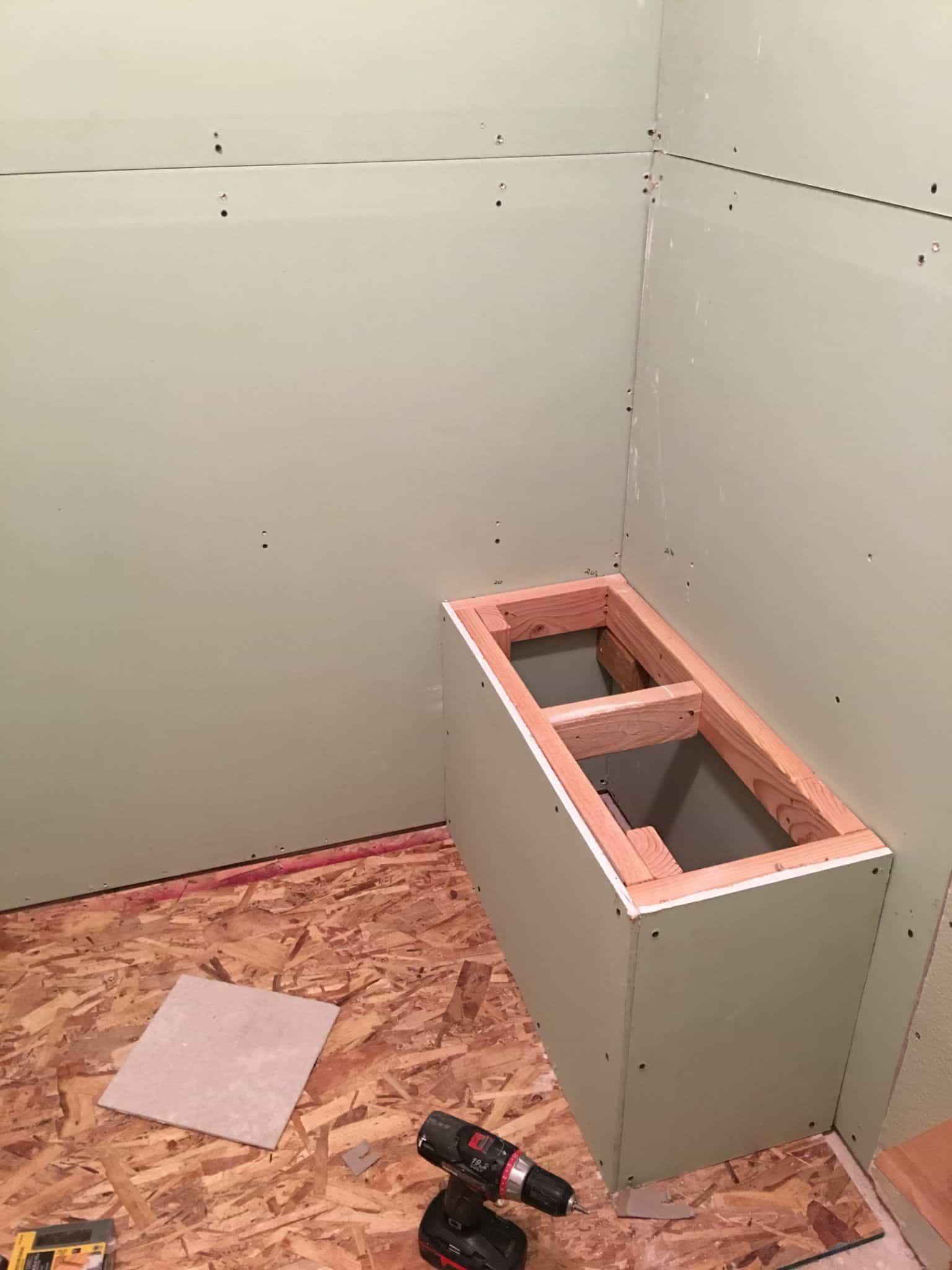 Douche complète bricolage avec banc intégré