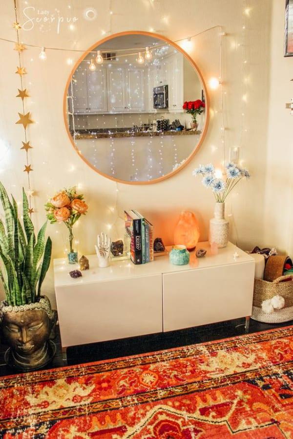 Guirlande lumineuse sur miroir de courtoisie 2