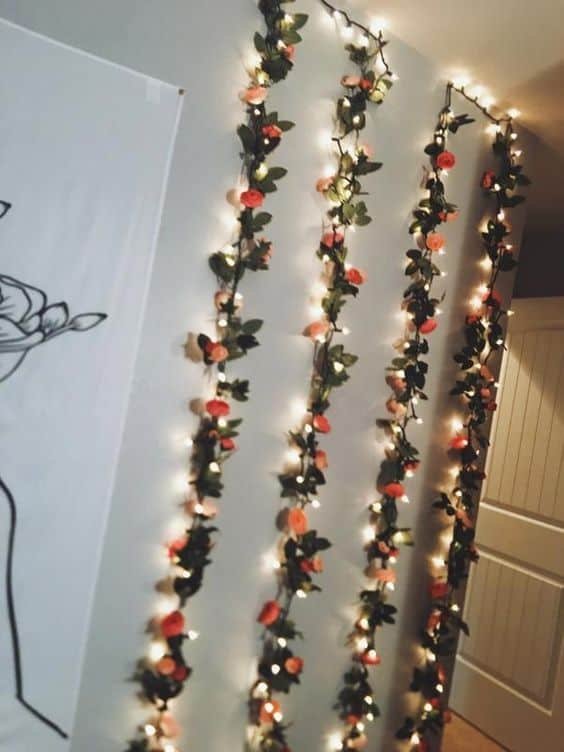 Guirlande lumineuse et florale