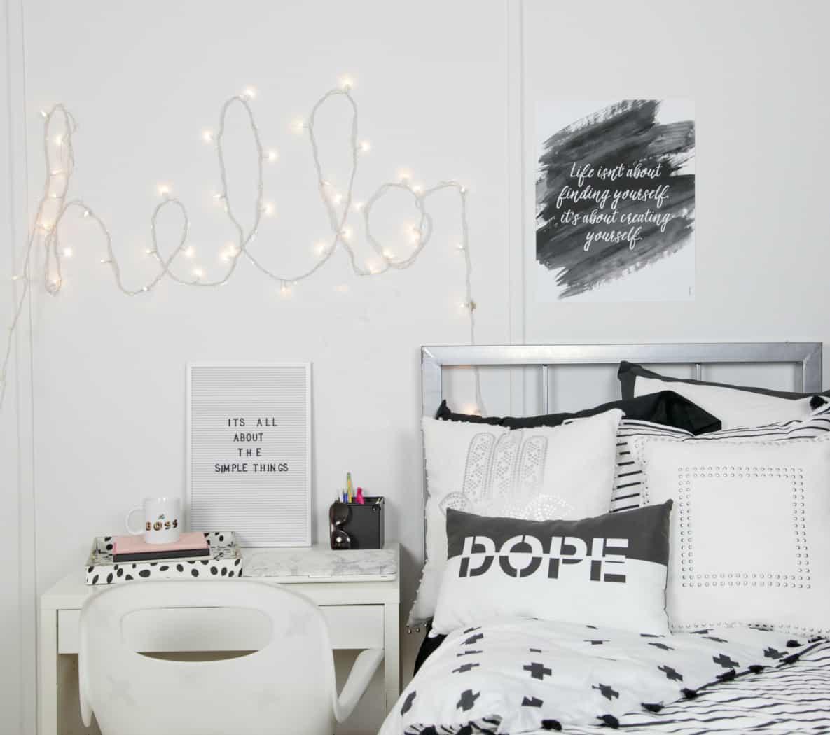 Diy hello wall art avec guirlande lumineuse