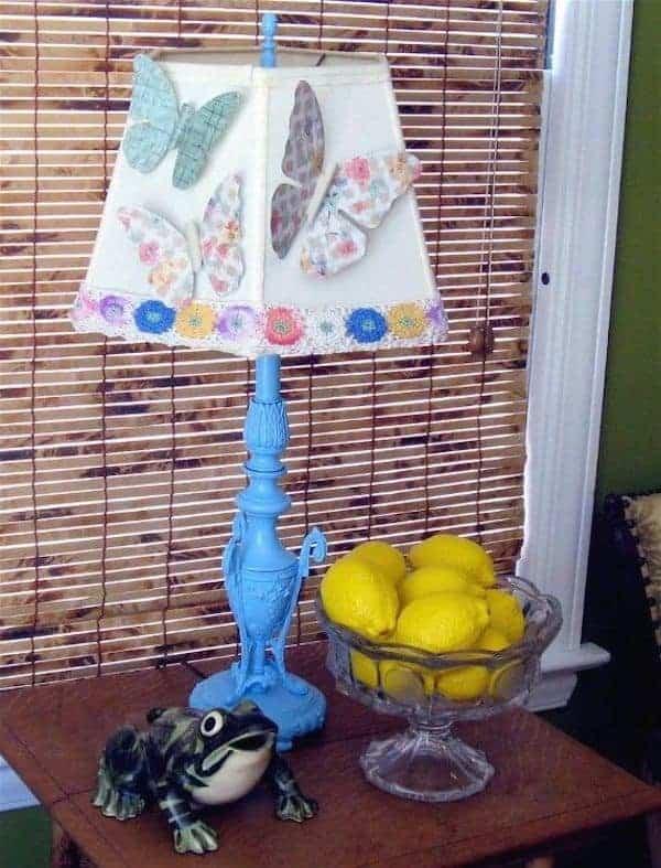 Lampe papillon vintage en papier peint et bougeoir
