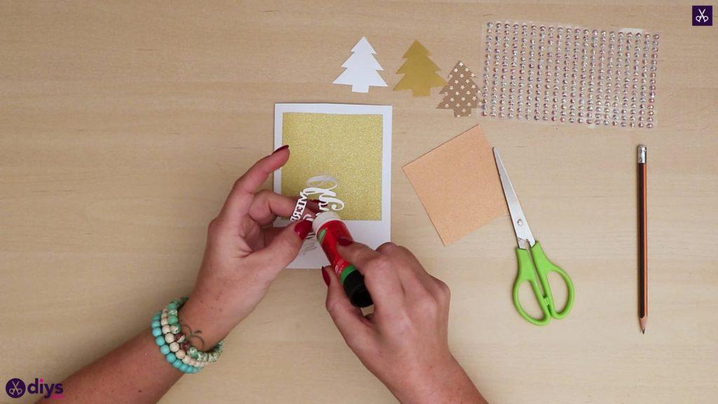 Carte de sapin de Noël bricolage ajouter un adhésif