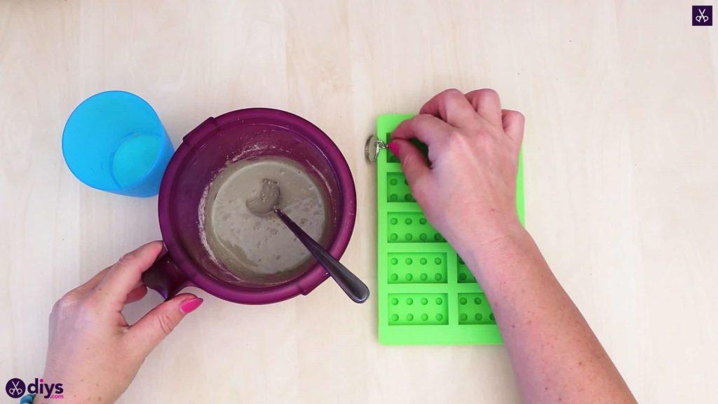 Porte-clés en béton lego block préparer