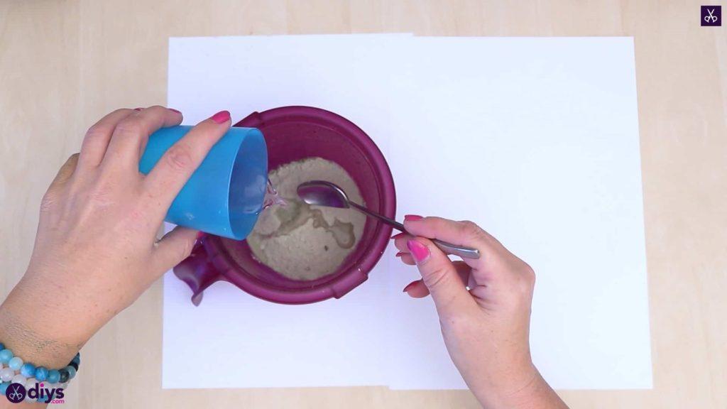 Pot de napperon en béton simple bricolage préparer le béton