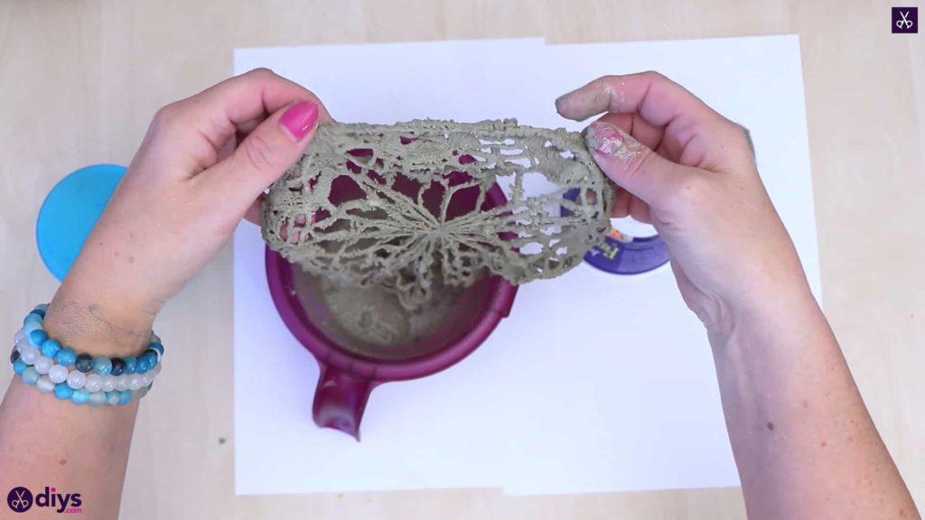 Pot de napperon en béton simple bricolage étape 2