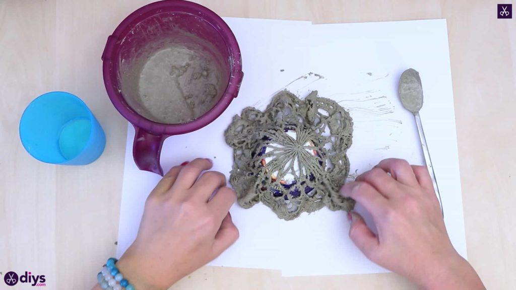 Pot de napperon en béton simple bricolage étape 3