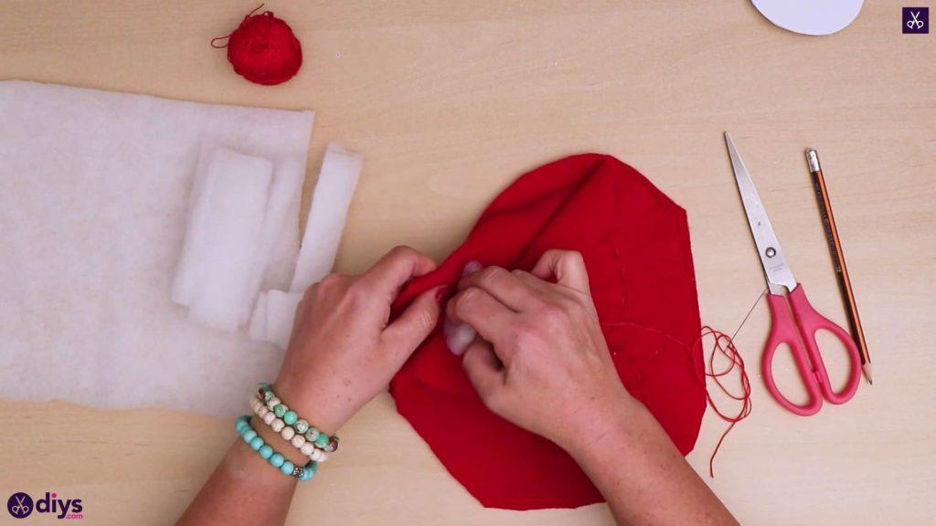 Comment faire un oreiller coeur bricolage