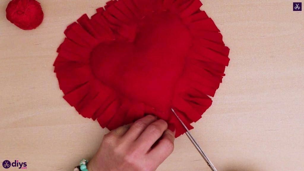 Comment faire un oreiller coeur 8d