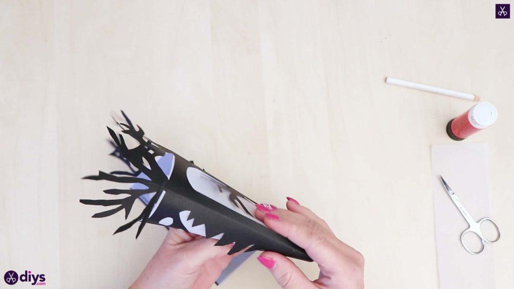 Art de la lanterne en papier bricolage étape 6