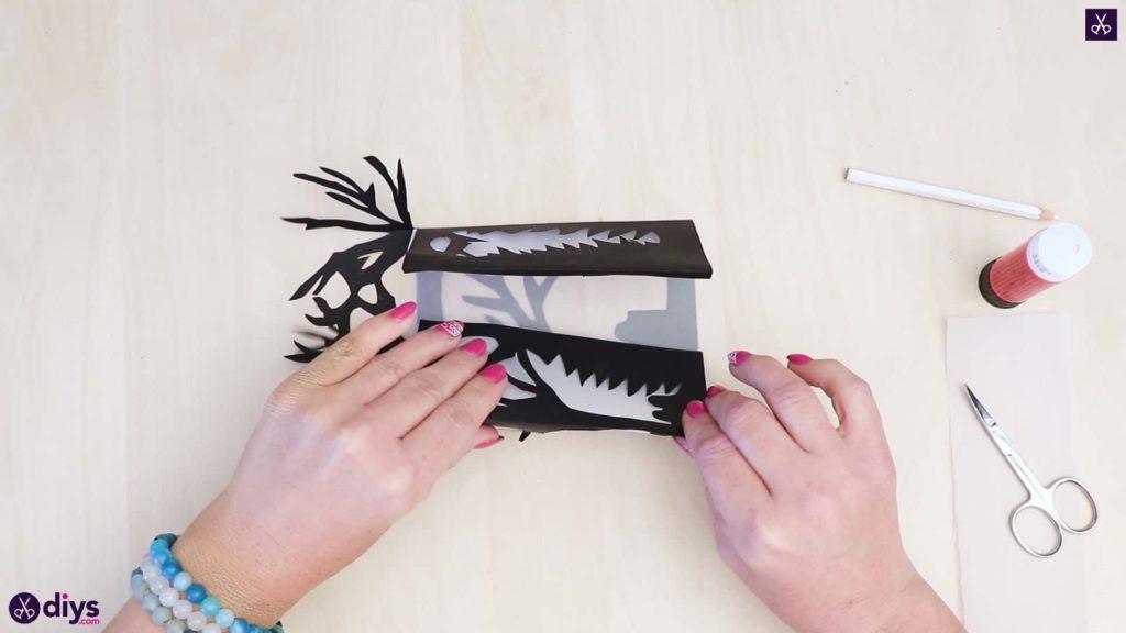 Étape de presse d'art de lanterne de papier de bricolage