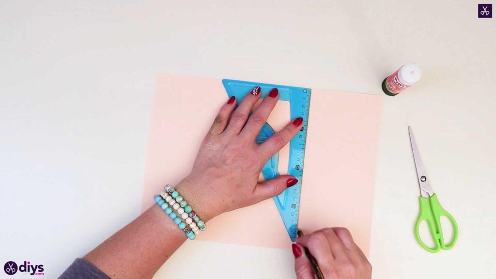 Centre de rose en papier réaliste bricolage