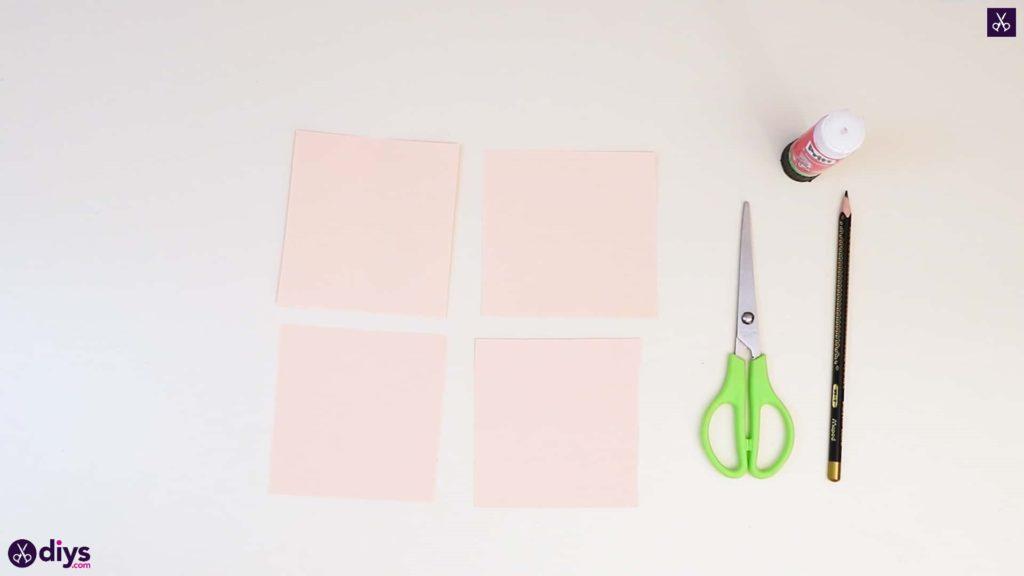Coupe de papier rose bricolage réaliste