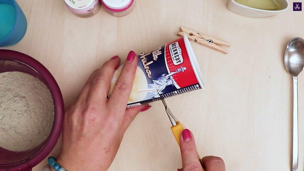 Porte-cartes en béton à découper