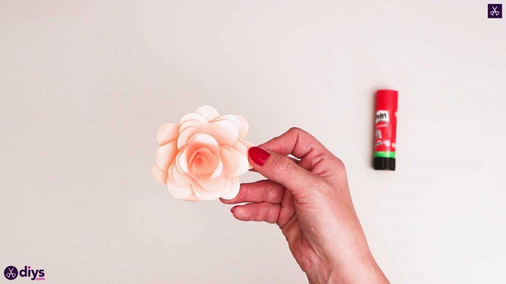 Bricolage papier réaliste rose
