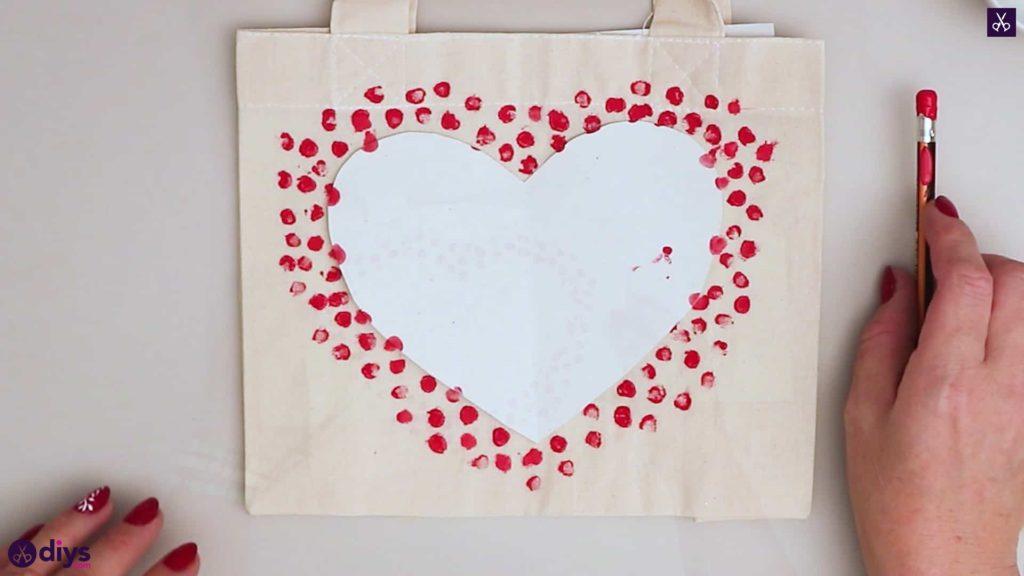 Décor de sac fourre-tout coeur bricolage