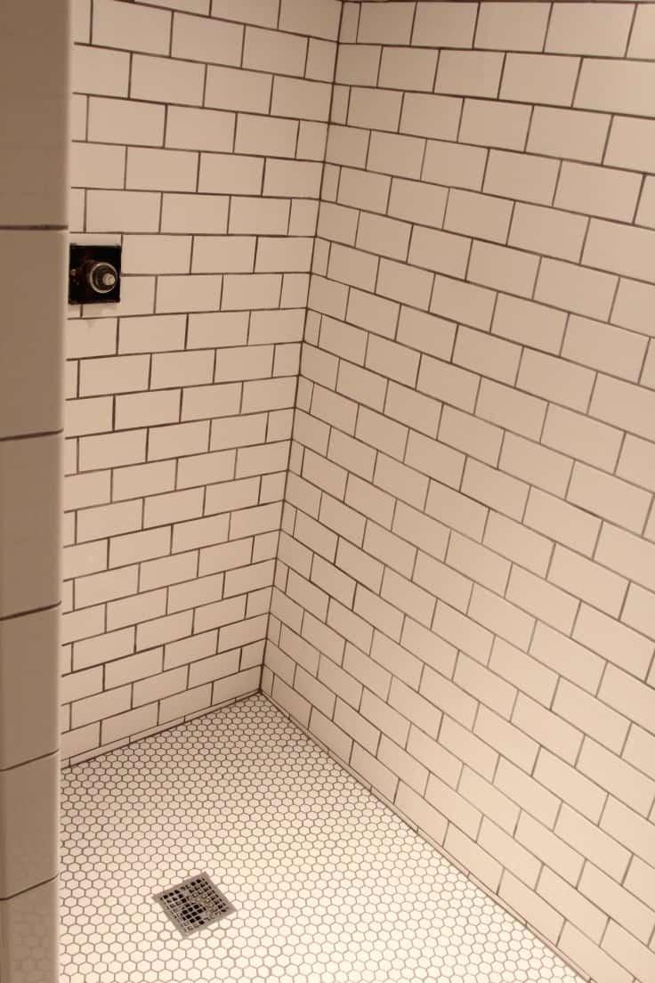 Transformation de douche de sous-sol