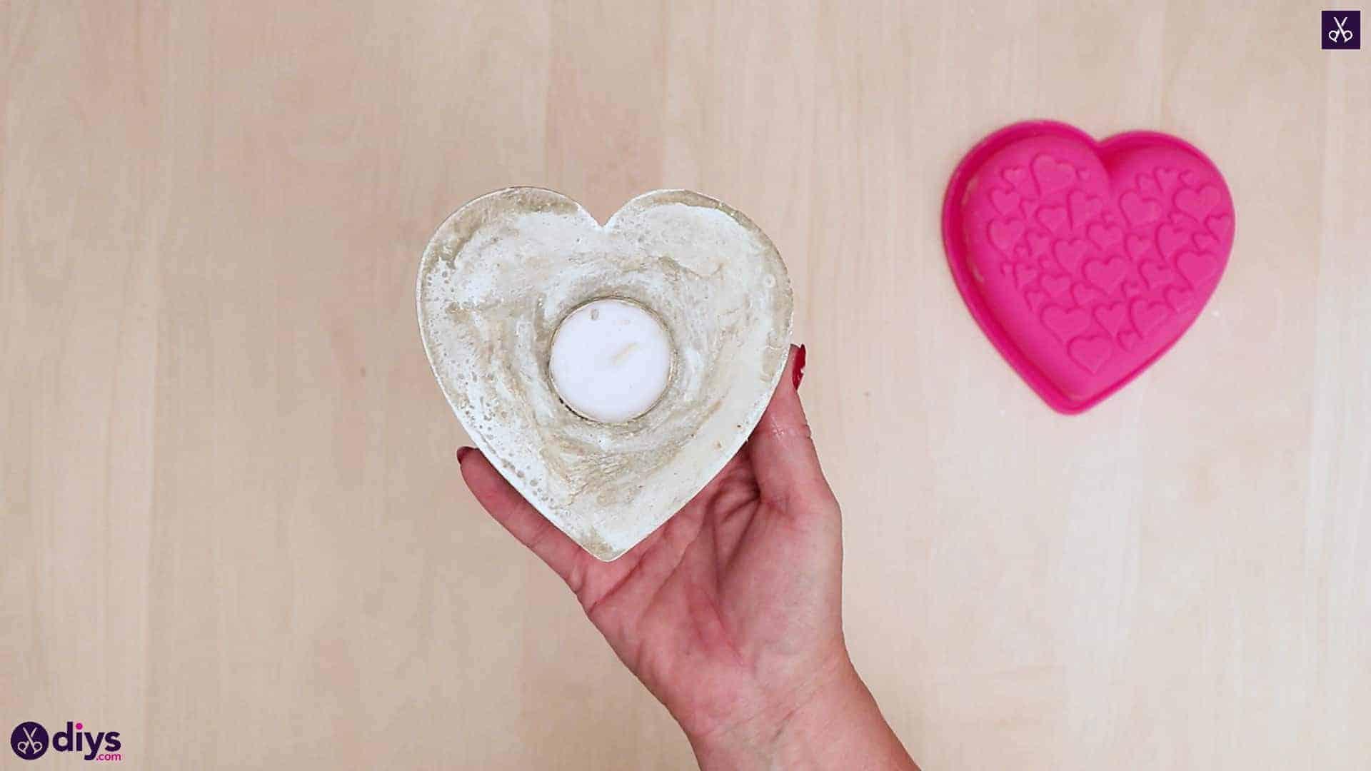 Bougeoir coeur en béton bricolage