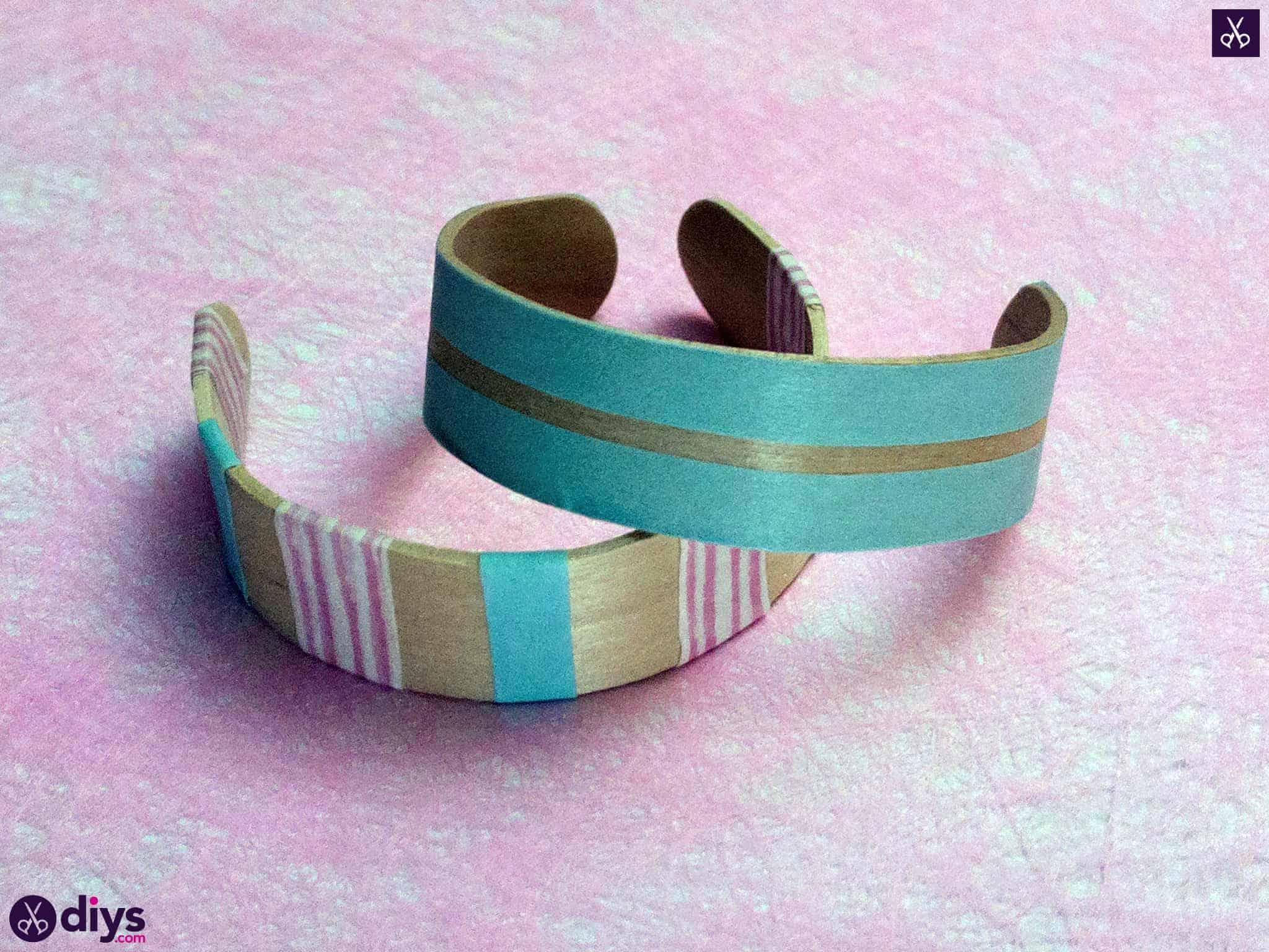 Comment faire un bracelet en bâton de popsicle