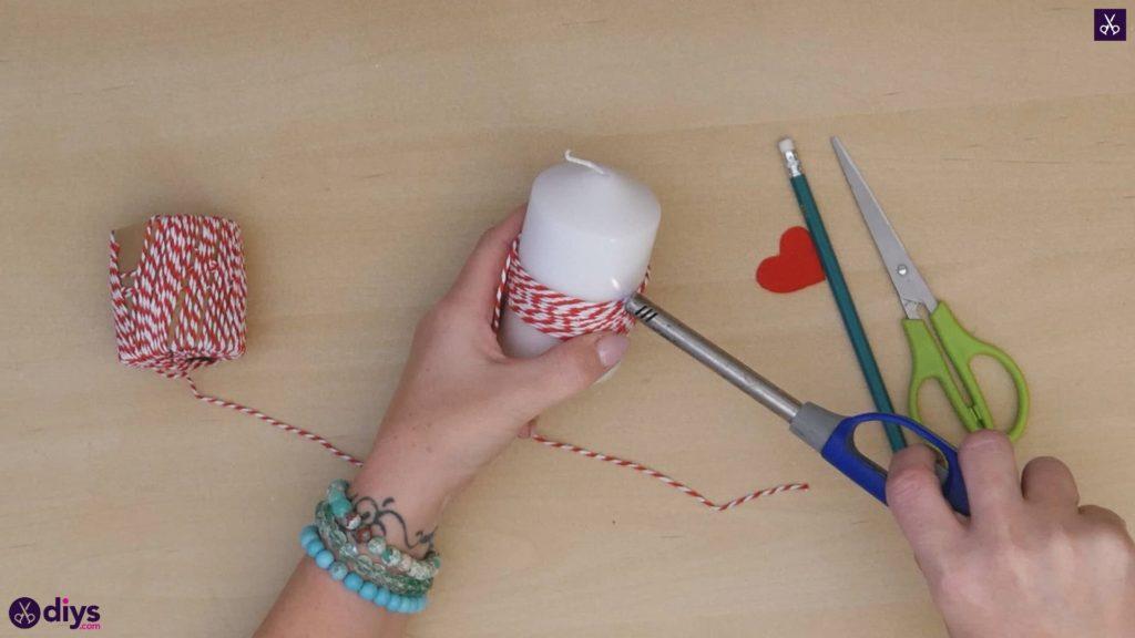 Diy bougie valentine papier rouge étape 3d