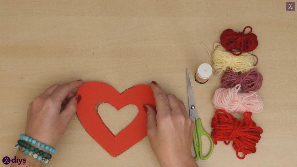 Coeur de papier enveloppé de fil de bricolage étape 4b
