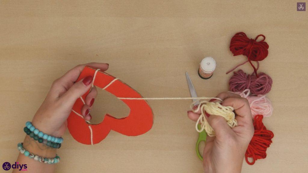 Coeur de papier enveloppé de fil de bricolage étape 5a