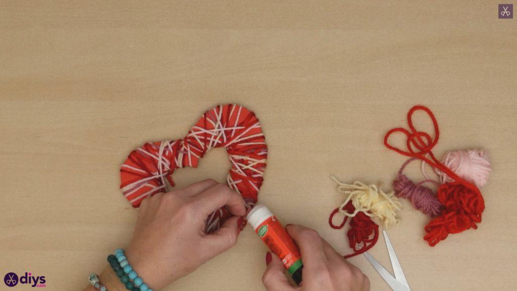 Coeur de papier enveloppé de fil de bricolage étape 6c