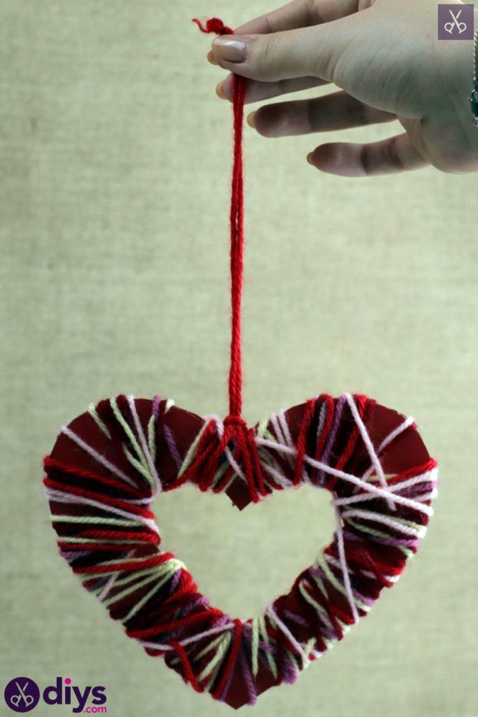 Coeur de papier enveloppé de fil de bricolage étape 7c