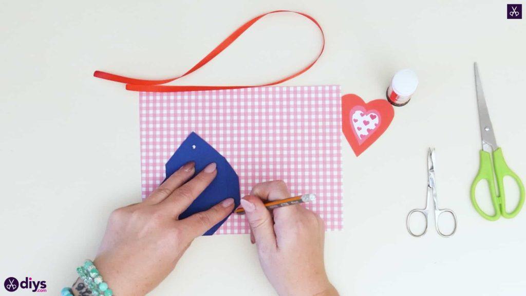 Étiquettes cadeaux empochées bricolage étape 4