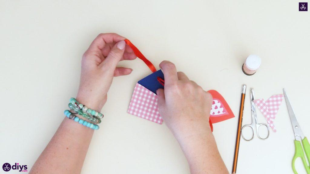 Étiquettes cadeaux empochées bricolage étape 7b