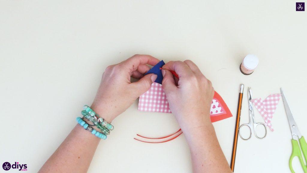 Étiquettes cadeaux empochées bricolage étape 7a