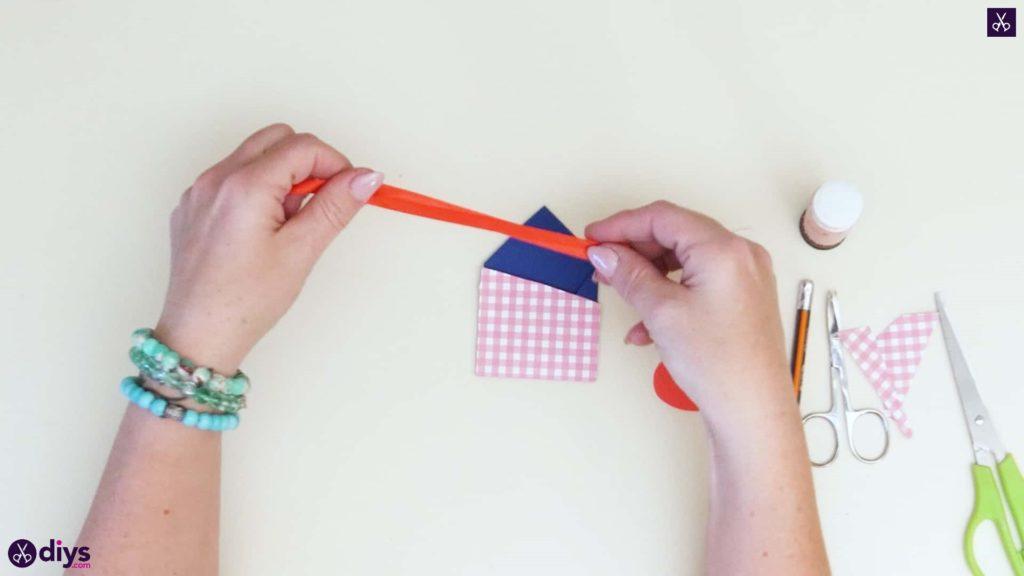 Étiquettes cadeaux empochées bricolage étape 7