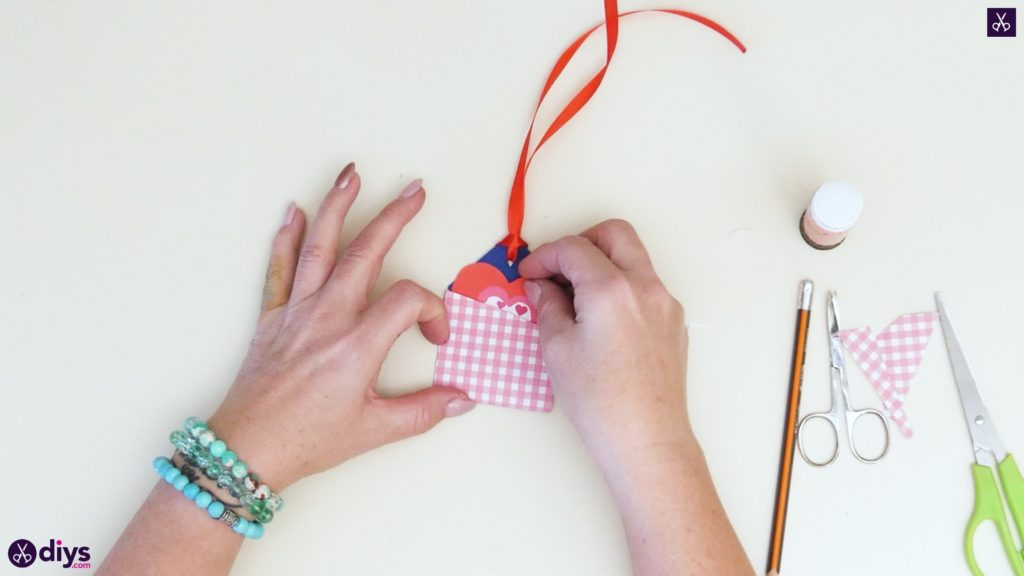 Étiquettes cadeaux empochées bricolage étape 8b