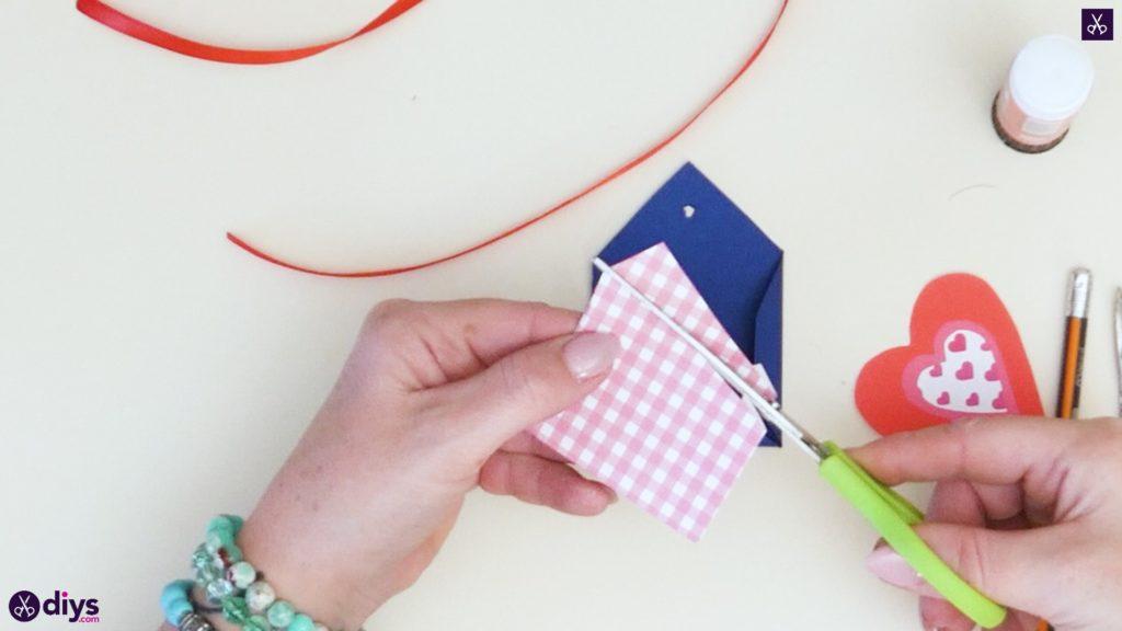 Étiquettes cadeaux empochées bricolage étape 6