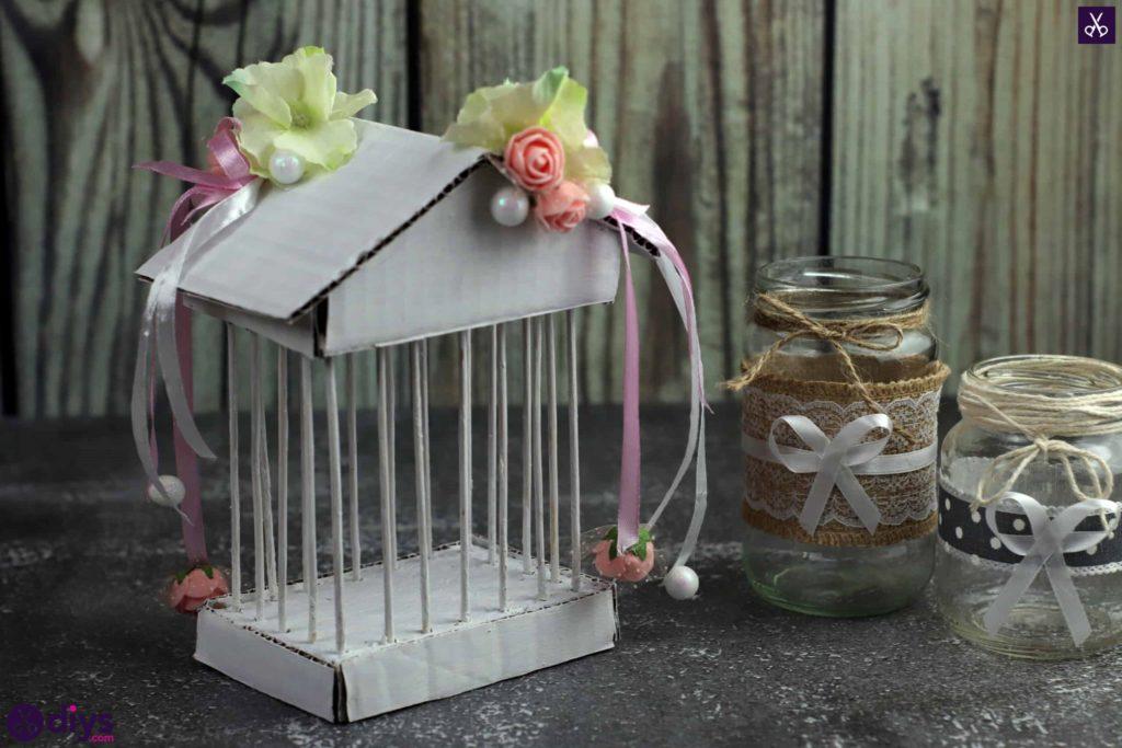Affichage de pièce maîtresse de cage miniature bricolage