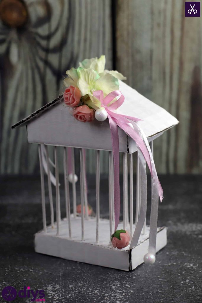 Dessus de pièce maîtresse de cage miniature bricolage