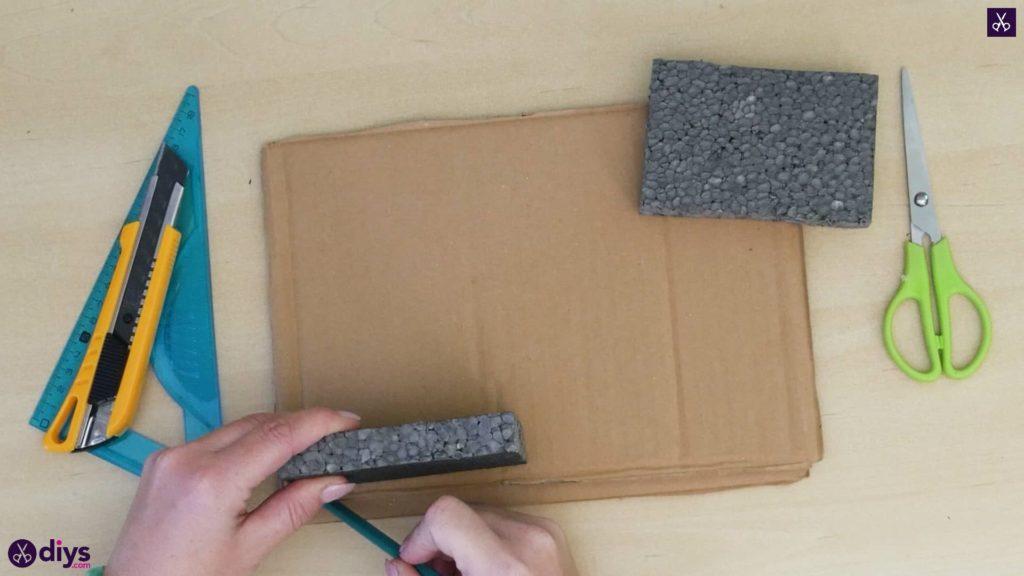 Pièce maîtresse de cage miniature bricolage étape 3
