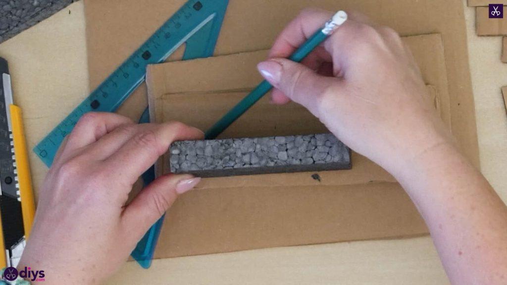 Pièce maîtresse de cage miniature bricolage étape 4