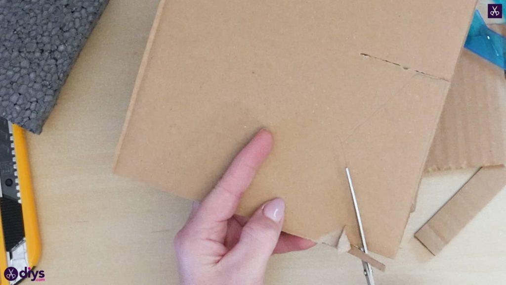 Pièce maîtresse de cage miniature DIY étape 4h